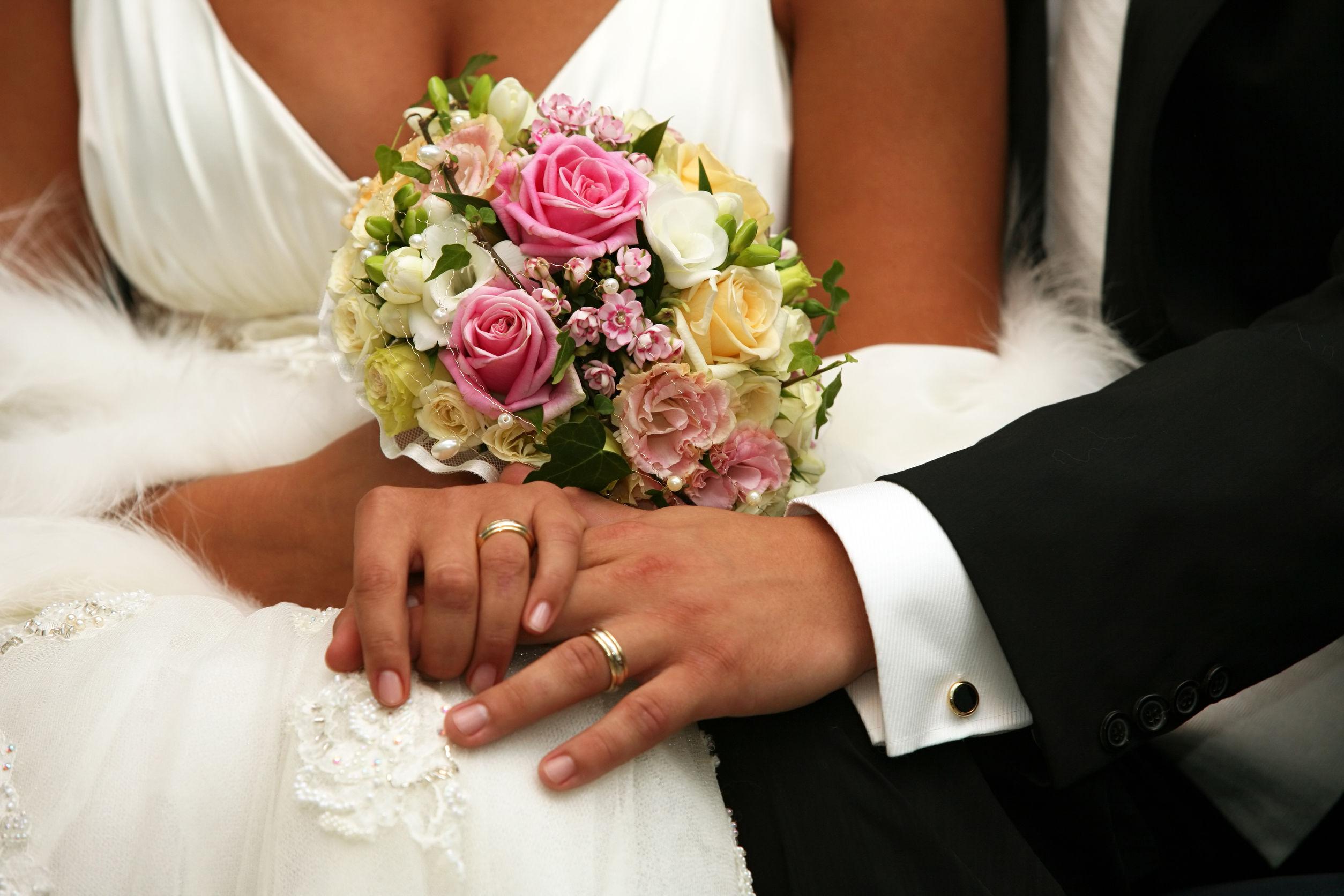 Tudod, hogy miért a gyűrűsujjunkon viseljük a jegygyűrűt? Sose gondoltad volna, hogy ez az oka, de mi most eláruljuk!
