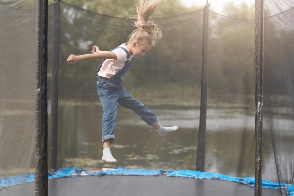Minden gyermek kedvence: a trambulin